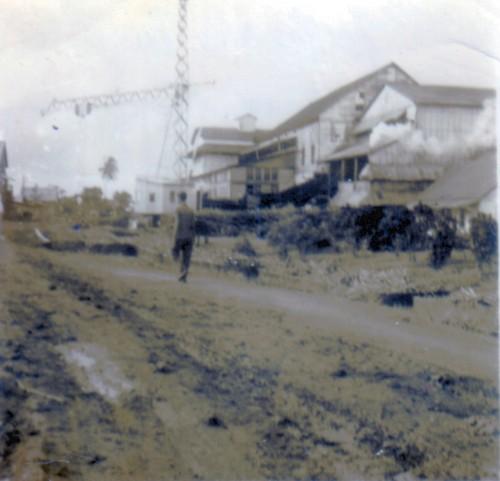 De suikerfabriek anno 1960, van achter naar voren bekeken